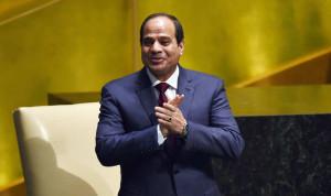السيسي لعبّاس: مصر إلى جانبكم