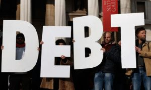 تسونامي الديون تجتاح الكرة الأرضية