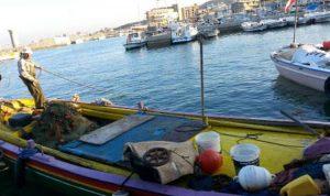 صيادو السمك في العبدة يطالبون بترميم السنسول البحري
