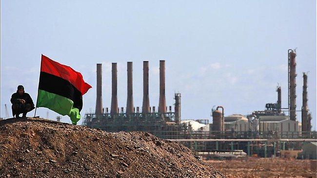 """مصر تحارب """"داعش ليبيا"""" بالبترول 1 21/12/2015 - 8:40 ص"""