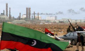 الدولة الاسلامية تضع صناعة النفط الليبية على حافة الانهيار