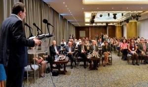 """حضور حاشد في مؤتمر """"الأمن الدوائي"""": توفير الدواء للجميع من دون تمييز وبجودة عالمية"""