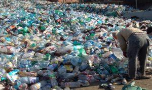 خسائر النفايات البلاستيكية بمليارات الدولارات