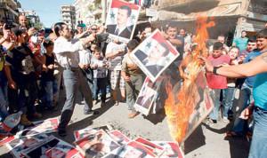 غليان في الشارع العلوي نتيجة ممارسات الأسد ومقتل 60 ألفاً من أبناء الطائفة