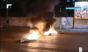 """طرقات لبنان تُقطع تضامناً مع عرسال المحاصرة من """"حزب الله"""""""