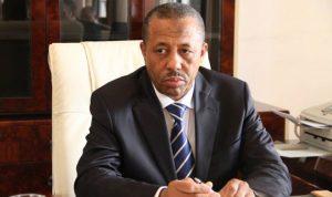 رئيس الوزراء الليبي يعزل وزير الداخلية لانتقاده اللواء حفتر
