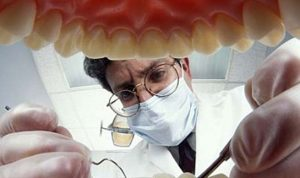 نقابة أطباء الاسنان تحضر لاحتجاج واسع لدعم استيراد المواد الاساسية