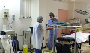 نقابة الممرضين والممرضات ترفض استبدال كوادرها بعمالة أجنبية
