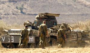 دبابتان اسرئيليتان اجتازتا السياج التقني في قطمون
