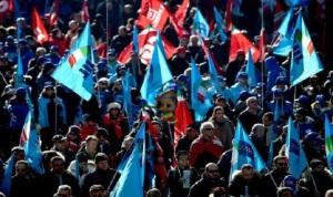 ايطاليا تشهد اضرابا عاما مع 54 مسيرة متوقعة في كل انحاء البلاد