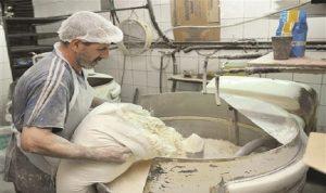 الخبز يرتفع وزناً ويستقرّ على 1500 ليرة