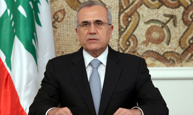 سليمان يحذر من توطين السوريين في لبنان