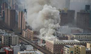 قتيلتان و18 جريحاً في انهيار مبنيين في نيويورك نتيجة تسرب للغاز