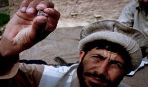 """""""طالبان"""" تسيطر على تجارة الأحجار الكريمة لتمويل عملياتها الإجرامية"""